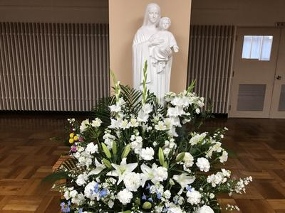 追悼ミサの花