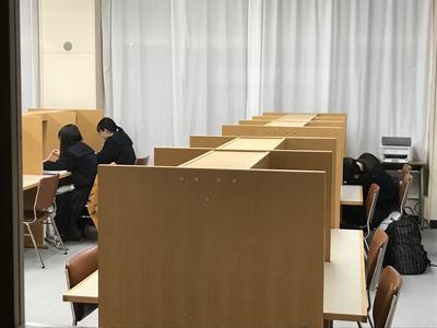放課後の自習室